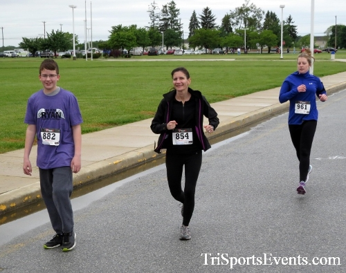 Rayn's Race 5K Run/Walk<br><br><br><br><a href='http://www.trisportsevents.com/pics/16_Ryan's_Race_5K_063.JPG' download='16_Ryan's_Race_5K_063.JPG'>Click here to download.</a><Br><a href='http://www.facebook.com/sharer.php?u=http:%2F%2Fwww.trisportsevents.com%2Fpics%2F16_Ryan's_Race_5K_063.JPG&t=Rayn's Race 5K Run/Walk' target='_blank'><img src='images/fb_share.png' width='100'></a>