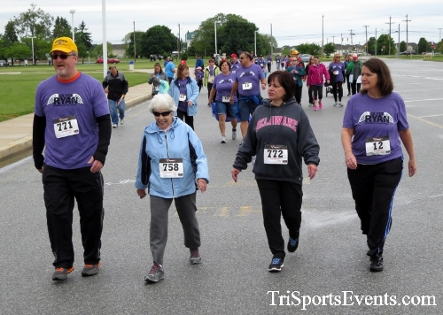 Rayn's Race 5K Run/Walk<br><br><br><br><a href='https://www.trisportsevents.com/pics/16_Ryan's_Race_5K_097.JPG' download='16_Ryan's_Race_5K_097.JPG'>Click here to download.</a><Br><a href='http://www.facebook.com/sharer.php?u=http:%2F%2Fwww.trisportsevents.com%2Fpics%2F16_Ryan's_Race_5K_097.JPG&t=Rayn's Race 5K Run/Walk' target='_blank'><img src='images/fb_share.png' width='100'></a>