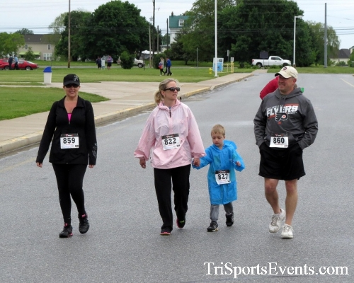 Rayn's Race 5K Run/Walk<br><br><br><br><a href='https://www.trisportsevents.com/pics/16_Ryan's_Race_5K_106.JPG' download='16_Ryan's_Race_5K_106.JPG'>Click here to download.</a><Br><a href='http://www.facebook.com/sharer.php?u=http:%2F%2Fwww.trisportsevents.com%2Fpics%2F16_Ryan's_Race_5K_106.JPG&t=Rayn's Race 5K Run/Walk' target='_blank'><img src='images/fb_share.png' width='100'></a>