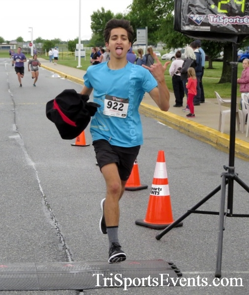Rayn's Race 5K Run/Walk<br><br><br><br><a href='https://www.trisportsevents.com/pics/16_Ryan's_Race_5K_143.JPG' download='16_Ryan's_Race_5K_143.JPG'>Click here to download.</a><Br><a href='http://www.facebook.com/sharer.php?u=http:%2F%2Fwww.trisportsevents.com%2Fpics%2F16_Ryan's_Race_5K_143.JPG&t=Rayn's Race 5K Run/Walk' target='_blank'><img src='images/fb_share.png' width='100'></a>