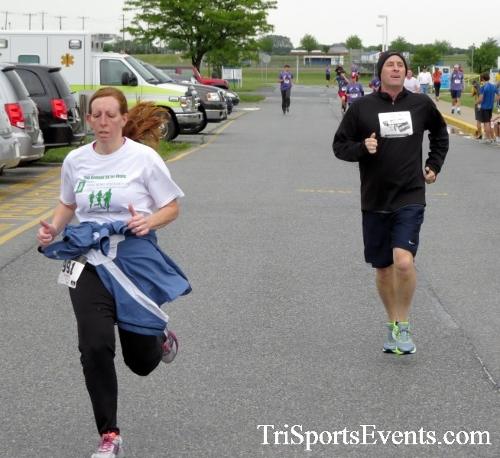 Rayn's Race 5K Run/Walk<br><br><br><br><a href='https://www.trisportsevents.com/pics/16_Ryan's_Race_5K_189.JPG' download='16_Ryan's_Race_5K_189.JPG'>Click here to download.</a><Br><a href='http://www.facebook.com/sharer.php?u=http:%2F%2Fwww.trisportsevents.com%2Fpics%2F16_Ryan's_Race_5K_189.JPG&t=Rayn's Race 5K Run/Walk' target='_blank'><img src='images/fb_share.png' width='100'></a>
