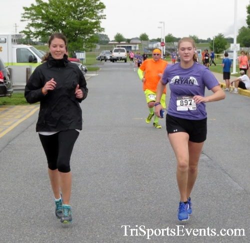 Rayn's Race 5K Run/Walk<br><br><br><br><a href='http://www.trisportsevents.com/pics/16_Ryan's_Race_5K_193.JPG' download='16_Ryan's_Race_5K_193.JPG'>Click here to download.</a><Br><a href='http://www.facebook.com/sharer.php?u=http:%2F%2Fwww.trisportsevents.com%2Fpics%2F16_Ryan's_Race_5K_193.JPG&t=Rayn's Race 5K Run/Walk' target='_blank'><img src='images/fb_share.png' width='100'></a>