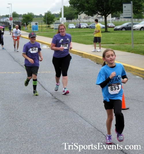 Rayn's Race 5K Run/Walk<br><br><br><br><a href='http://www.trisportsevents.com/pics/16_Ryan's_Race_5K_237.JPG' download='16_Ryan's_Race_5K_237.JPG'>Click here to download.</a><Br><a href='http://www.facebook.com/sharer.php?u=http:%2F%2Fwww.trisportsevents.com%2Fpics%2F16_Ryan's_Race_5K_237.JPG&t=Rayn's Race 5K Run/Walk' target='_blank'><img src='images/fb_share.png' width='100'></a>