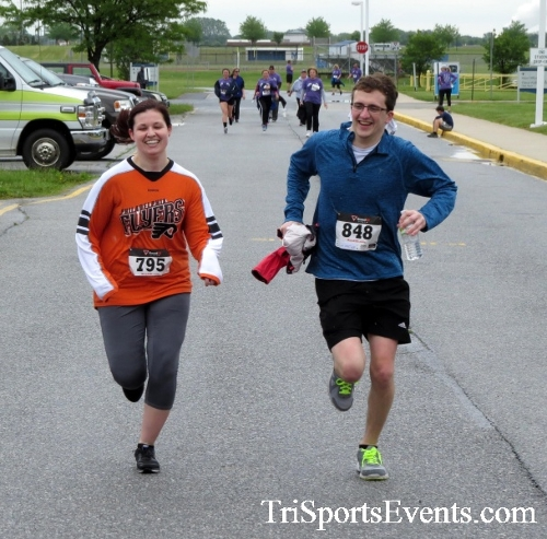 Rayn's Race 5K Run/Walk<br><br><br><br><a href='http://www.trisportsevents.com/pics/16_Ryan's_Race_5K_247.JPG' download='16_Ryan's_Race_5K_247.JPG'>Click here to download.</a><Br><a href='http://www.facebook.com/sharer.php?u=http:%2F%2Fwww.trisportsevents.com%2Fpics%2F16_Ryan's_Race_5K_247.JPG&t=Rayn's Race 5K Run/Walk' target='_blank'><img src='images/fb_share.png' width='100'></a>