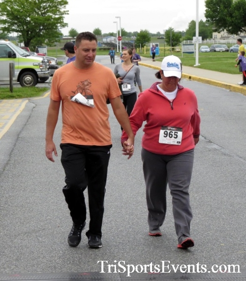 Rayn's Race 5K Run/Walk<br><br><br><br><a href='https://www.trisportsevents.com/pics/16_Ryan's_Race_5K_255.JPG' download='16_Ryan's_Race_5K_255.JPG'>Click here to download.</a><Br><a href='http://www.facebook.com/sharer.php?u=http:%2F%2Fwww.trisportsevents.com%2Fpics%2F16_Ryan's_Race_5K_255.JPG&t=Rayn's Race 5K Run/Walk' target='_blank'><img src='images/fb_share.png' width='100'></a>