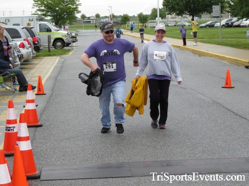 Rayn's Race 5K Run/Walk<br><br><br><br><a href='https://www.trisportsevents.com/pics/16_Ryan's_Race_5K_259.JPG' download='16_Ryan's_Race_5K_259.JPG'>Click here to download.</a><Br><a href='http://www.facebook.com/sharer.php?u=http:%2F%2Fwww.trisportsevents.com%2Fpics%2F16_Ryan's_Race_5K_259.JPG&t=Rayn's Race 5K Run/Walk' target='_blank'><img src='images/fb_share.png' width='100'></a>