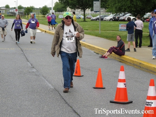Rayn's Race 5K Run/Walk<br><br><br><br><a href='https://www.trisportsevents.com/pics/16_Ryan's_Race_5K_264.JPG' download='16_Ryan's_Race_5K_264.JPG'>Click here to download.</a><Br><a href='http://www.facebook.com/sharer.php?u=http:%2F%2Fwww.trisportsevents.com%2Fpics%2F16_Ryan's_Race_5K_264.JPG&t=Rayn's Race 5K Run/Walk' target='_blank'><img src='images/fb_share.png' width='100'></a>