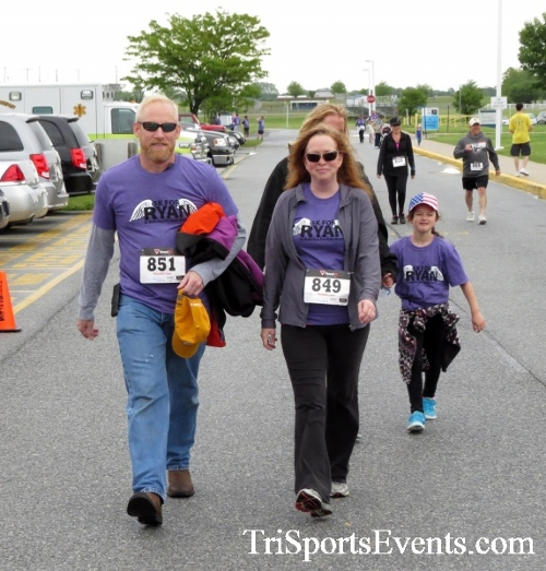 Rayn's Race 5K Run/Walk<br><br><br><br><a href='http://www.trisportsevents.com/pics/16_Ryan's_Race_5K_272.JPG' download='16_Ryan's_Race_5K_272.JPG'>Click here to download.</a><Br><a href='http://www.facebook.com/sharer.php?u=http:%2F%2Fwww.trisportsevents.com%2Fpics%2F16_Ryan's_Race_5K_272.JPG&t=Rayn's Race 5K Run/Walk' target='_blank'><img src='images/fb_share.png' width='100'></a>