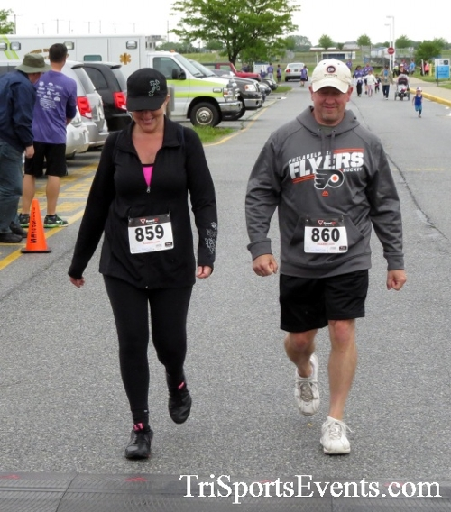 Rayn's Race 5K Run/Walk<br><br><br><br><a href='http://www.trisportsevents.com/pics/16_Ryan's_Race_5K_273.JPG' download='16_Ryan's_Race_5K_273.JPG'>Click here to download.</a><Br><a href='http://www.facebook.com/sharer.php?u=http:%2F%2Fwww.trisportsevents.com%2Fpics%2F16_Ryan's_Race_5K_273.JPG&t=Rayn's Race 5K Run/Walk' target='_blank'><img src='images/fb_share.png' width='100'></a>