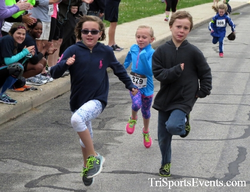 Safe Kids 5K Run/Walk<br><br><br><br><a href='https://www.trisportsevents.com/pics/16_Safe_Kids_5K_002.JPG' download='16_Safe_Kids_5K_002.JPG'>Click here to download.</a><Br><a href='http://www.facebook.com/sharer.php?u=http:%2F%2Fwww.trisportsevents.com%2Fpics%2F16_Safe_Kids_5K_002.JPG&t=Safe Kids 5K Run/Walk' target='_blank'><img src='images/fb_share.png' width='100'></a>