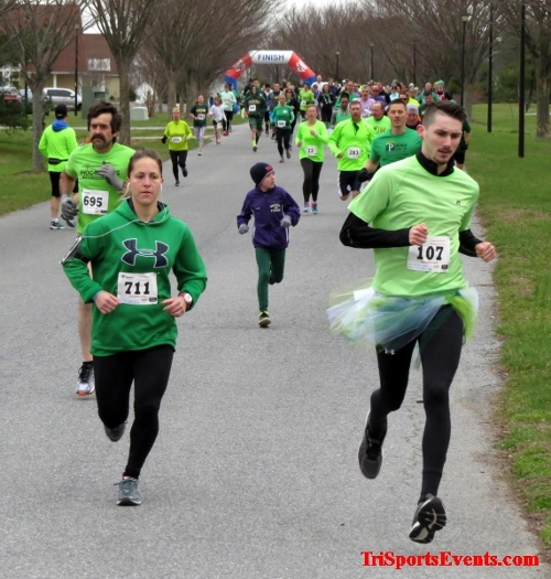 Shamrock Scramble 5K Run/Walk<br><br><br><br><a href='http://www.trisportsevents.com/pics/16_Shamrock_5K_019.JPG' download='16_Shamrock_5K_019.JPG'>Click here to download.</a><Br><a href='http://www.facebook.com/sharer.php?u=http:%2F%2Fwww.trisportsevents.com%2Fpics%2F16_Shamrock_5K_019.JPG&t=Shamrock Scramble 5K Run/Walk' target='_blank'><img src='images/fb_share.png' width='100'></a>