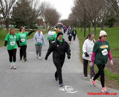 Shamrock Scramble 5K Run/Walk<br><br><br><br><a href='http://www.trisportsevents.com/pics/16_Shamrock_5K_045.JPG' download='16_Shamrock_5K_045.JPG'>Click here to download.</a><Br><a href='http://www.facebook.com/sharer.php?u=http:%2F%2Fwww.trisportsevents.com%2Fpics%2F16_Shamrock_5K_045.JPG&t=Shamrock Scramble 5K Run/Walk' target='_blank'><img src='images/fb_share.png' width='100'></a>