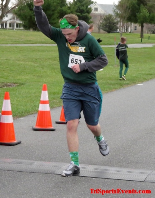 Shamrock Scramble 5K Run/Walk<br><br><br><br><a href='https://www.trisportsevents.com/pics/16_Shamrock_5K_128.JPG' download='16_Shamrock_5K_128.JPG'>Click here to download.</a><Br><a href='http://www.facebook.com/sharer.php?u=http:%2F%2Fwww.trisportsevents.com%2Fpics%2F16_Shamrock_5K_128.JPG&t=Shamrock Scramble 5K Run/Walk' target='_blank'><img src='images/fb_share.png' width='100'></a>