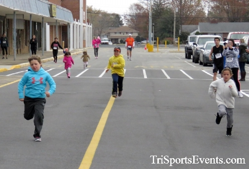 Turkey Trot 5K Run/Wak<br><br><br><br><a href='https://www.trisportsevents.com/pics/16_Turkey_Trot_5K_001.JPG' download='16_Turkey_Trot_5K_001.JPG'>Click here to download.</a><Br><a href='http://www.facebook.com/sharer.php?u=http:%2F%2Fwww.trisportsevents.com%2Fpics%2F16_Turkey_Trot_5K_001.JPG&t=Turkey Trot 5K Run/Wak' target='_blank'><img src='images/fb_share.png' width='100'></a>