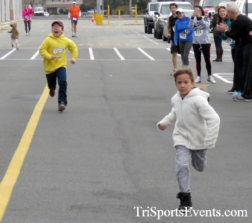 Turkey Trot 5K Run/Wak<br><br><br><br><a href='https://www.trisportsevents.com/pics/16_Turkey_Trot_5K_002.JPG' download='16_Turkey_Trot_5K_002.JPG'>Click here to download.</a><Br><a href='http://www.facebook.com/sharer.php?u=http:%2F%2Fwww.trisportsevents.com%2Fpics%2F16_Turkey_Trot_5K_002.JPG&t=Turkey Trot 5K Run/Wak' target='_blank'><img src='images/fb_share.png' width='100'></a>