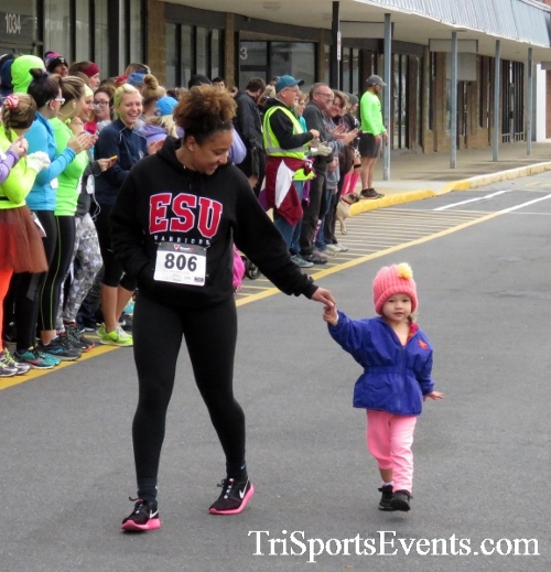 Turkey Trot 5K Run/Wak<br><br><br><br><a href='http://www.trisportsevents.com/pics/16_Turkey_Trot_5K_006.JPG' download='16_Turkey_Trot_5K_006.JPG'>Click here to download.</a><Br><a href='http://www.facebook.com/sharer.php?u=http:%2F%2Fwww.trisportsevents.com%2Fpics%2F16_Turkey_Trot_5K_006.JPG&t=Turkey Trot 5K Run/Wak' target='_blank'><img src='images/fb_share.png' width='100'></a>