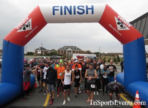 Turkey Trot 5K Run/Wak<br><br><br><br><a href='http://www.trisportsevents.com/pics/16_Turkey_Trot_5K_011.JPG' download='16_Turkey_Trot_5K_011.JPG'>Click here to download.</a><Br><a href='http://www.facebook.com/sharer.php?u=http:%2F%2Fwww.trisportsevents.com%2Fpics%2F16_Turkey_Trot_5K_011.JPG&t=Turkey Trot 5K Run/Wak' target='_blank'><img src='images/fb_share.png' width='100'></a>