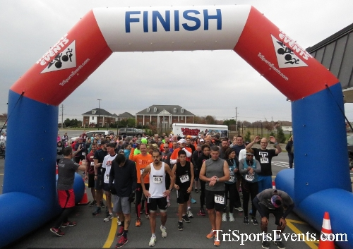 Turkey Trot 5K Run/Wak<br><br><br><br><a href='http://www.trisportsevents.com/pics/16_Turkey_Trot_5K_012.JPG' download='16_Turkey_Trot_5K_012.JPG'>Click here to download.</a><Br><a href='http://www.facebook.com/sharer.php?u=http:%2F%2Fwww.trisportsevents.com%2Fpics%2F16_Turkey_Trot_5K_012.JPG&t=Turkey Trot 5K Run/Wak' target='_blank'><img src='images/fb_share.png' width='100'></a>