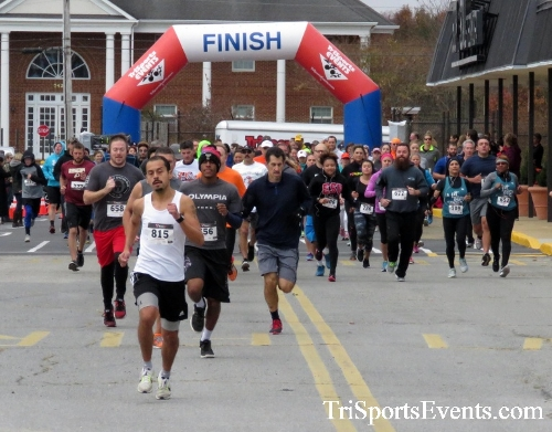Turkey Trot 5K Run/Wak<br><br><br><br><a href='https://www.trisportsevents.com/pics/16_Turkey_Trot_5K_015.JPG' download='16_Turkey_Trot_5K_015.JPG'>Click here to download.</a><Br><a href='http://www.facebook.com/sharer.php?u=http:%2F%2Fwww.trisportsevents.com%2Fpics%2F16_Turkey_Trot_5K_015.JPG&t=Turkey Trot 5K Run/Wak' target='_blank'><img src='images/fb_share.png' width='100'></a>