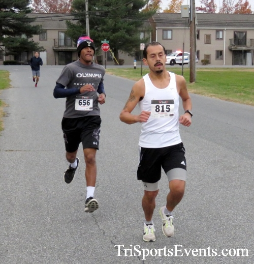 Turkey Trot 5K Run/Wak<br><br><br><br><a href='https://www.trisportsevents.com/pics/16_Turkey_Trot_5K_016.JPG' download='16_Turkey_Trot_5K_016.JPG'>Click here to download.</a><Br><a href='http://www.facebook.com/sharer.php?u=http:%2F%2Fwww.trisportsevents.com%2Fpics%2F16_Turkey_Trot_5K_016.JPG&t=Turkey Trot 5K Run/Wak' target='_blank'><img src='images/fb_share.png' width='100'></a>