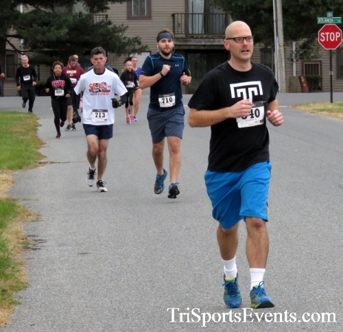 Turkey Trot 5K Run/Wak<br><br><br><br><a href='http://www.trisportsevents.com/pics/16_Turkey_Trot_5K_026.JPG' download='16_Turkey_Trot_5K_026.JPG'>Click here to download.</a><Br><a href='http://www.facebook.com/sharer.php?u=http:%2F%2Fwww.trisportsevents.com%2Fpics%2F16_Turkey_Trot_5K_026.JPG&t=Turkey Trot 5K Run/Wak' target='_blank'><img src='images/fb_share.png' width='100'></a>