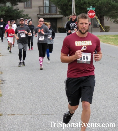 Turkey Trot 5K Run/Wak<br><br><br><br><a href='http://www.trisportsevents.com/pics/16_Turkey_Trot_5K_029.JPG' download='16_Turkey_Trot_5K_029.JPG'>Click here to download.</a><Br><a href='http://www.facebook.com/sharer.php?u=http:%2F%2Fwww.trisportsevents.com%2Fpics%2F16_Turkey_Trot_5K_029.JPG&t=Turkey Trot 5K Run/Wak' target='_blank'><img src='images/fb_share.png' width='100'></a>