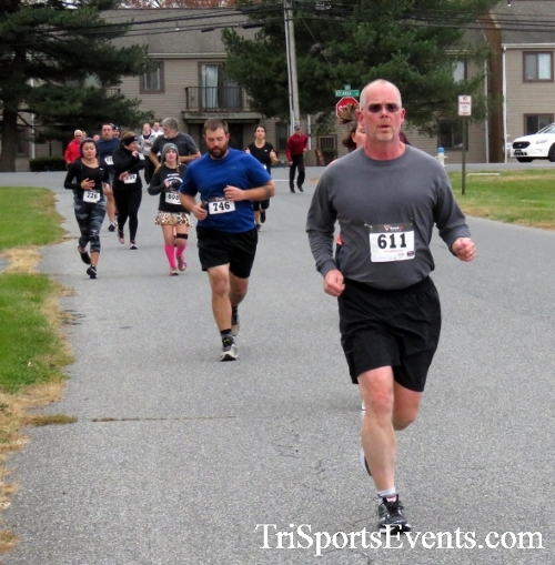 Turkey Trot 5K Run/Wak<br><br><br><br><a href='http://www.trisportsevents.com/pics/16_Turkey_Trot_5K_037.JPG' download='16_Turkey_Trot_5K_037.JPG'>Click here to download.</a><Br><a href='http://www.facebook.com/sharer.php?u=http:%2F%2Fwww.trisportsevents.com%2Fpics%2F16_Turkey_Trot_5K_037.JPG&t=Turkey Trot 5K Run/Wak' target='_blank'><img src='images/fb_share.png' width='100'></a>