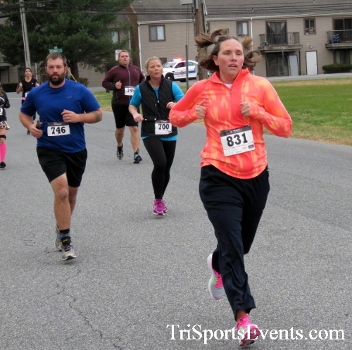 Turkey Trot 5K Run/Wak<br><br><br><br><a href='http://www.trisportsevents.com/pics/16_Turkey_Trot_5K_038.JPG' download='16_Turkey_Trot_5K_038.JPG'>Click here to download.</a><Br><a href='http://www.facebook.com/sharer.php?u=http:%2F%2Fwww.trisportsevents.com%2Fpics%2F16_Turkey_Trot_5K_038.JPG&t=Turkey Trot 5K Run/Wak' target='_blank'><img src='images/fb_share.png' width='100'></a>