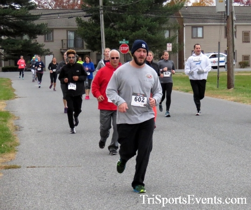 Turkey Trot 5K Run/Wak<br><br><br><br><a href='http://www.trisportsevents.com/pics/16_Turkey_Trot_5K_044.JPG' download='16_Turkey_Trot_5K_044.JPG'>Click here to download.</a><Br><a href='http://www.facebook.com/sharer.php?u=http:%2F%2Fwww.trisportsevents.com%2Fpics%2F16_Turkey_Trot_5K_044.JPG&t=Turkey Trot 5K Run/Wak' target='_blank'><img src='images/fb_share.png' width='100'></a>