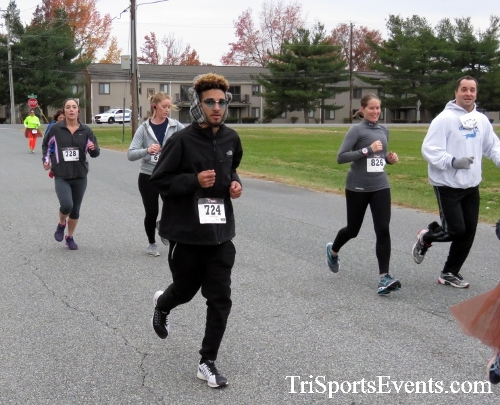Turkey Trot 5K Run/Wak<br><br><br><br><a href='https://www.trisportsevents.com/pics/16_Turkey_Trot_5K_046.JPG' download='16_Turkey_Trot_5K_046.JPG'>Click here to download.</a><Br><a href='http://www.facebook.com/sharer.php?u=http:%2F%2Fwww.trisportsevents.com%2Fpics%2F16_Turkey_Trot_5K_046.JPG&t=Turkey Trot 5K Run/Wak' target='_blank'><img src='images/fb_share.png' width='100'></a>