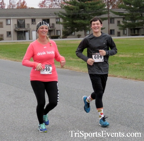 Turkey Trot 5K Run/Wak<br><br><br><br><a href='https://www.trisportsevents.com/pics/16_Turkey_Trot_5K_052.JPG' download='16_Turkey_Trot_5K_052.JPG'>Click here to download.</a><Br><a href='http://www.facebook.com/sharer.php?u=http:%2F%2Fwww.trisportsevents.com%2Fpics%2F16_Turkey_Trot_5K_052.JPG&t=Turkey Trot 5K Run/Wak' target='_blank'><img src='images/fb_share.png' width='100'></a>