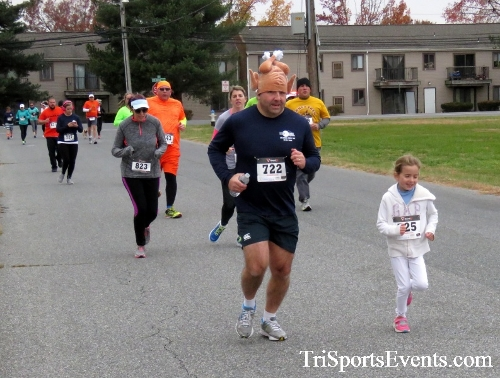 Turkey Trot 5K Run/Wak<br><br><br><br><a href='http://www.trisportsevents.com/pics/16_Turkey_Trot_5K_057.JPG' download='16_Turkey_Trot_5K_057.JPG'>Click here to download.</a><Br><a href='http://www.facebook.com/sharer.php?u=http:%2F%2Fwww.trisportsevents.com%2Fpics%2F16_Turkey_Trot_5K_057.JPG&t=Turkey Trot 5K Run/Wak' target='_blank'><img src='images/fb_share.png' width='100'></a>