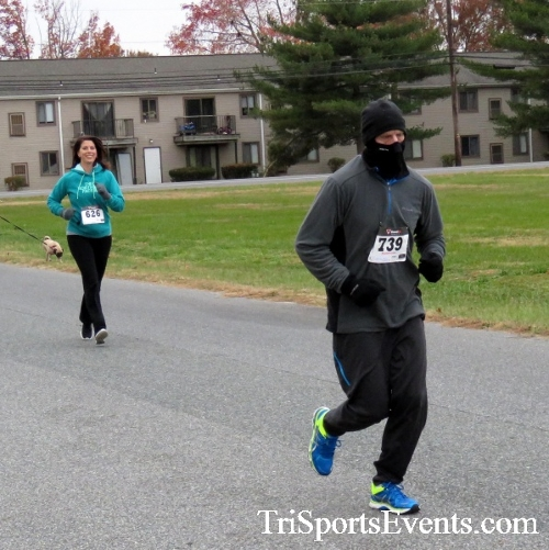 Turkey Trot 5K Run/Wak<br><br><br><br><a href='https://www.trisportsevents.com/pics/16_Turkey_Trot_5K_062.JPG' download='16_Turkey_Trot_5K_062.JPG'>Click here to download.</a><Br><a href='http://www.facebook.com/sharer.php?u=http:%2F%2Fwww.trisportsevents.com%2Fpics%2F16_Turkey_Trot_5K_062.JPG&t=Turkey Trot 5K Run/Wak' target='_blank'><img src='images/fb_share.png' width='100'></a>