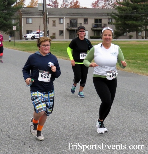 Turkey Trot 5K Run/Wak<br><br><br><br><a href='http://www.trisportsevents.com/pics/16_Turkey_Trot_5K_067.JPG' download='16_Turkey_Trot_5K_067.JPG'>Click here to download.</a><Br><a href='http://www.facebook.com/sharer.php?u=http:%2F%2Fwww.trisportsevents.com%2Fpics%2F16_Turkey_Trot_5K_067.JPG&t=Turkey Trot 5K Run/Wak' target='_blank'><img src='images/fb_share.png' width='100'></a>