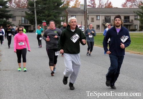 Turkey Trot 5K Run/Wak<br><br><br><br><a href='https://www.trisportsevents.com/pics/16_Turkey_Trot_5K_070.JPG' download='16_Turkey_Trot_5K_070.JPG'>Click here to download.</a><Br><a href='http://www.facebook.com/sharer.php?u=http:%2F%2Fwww.trisportsevents.com%2Fpics%2F16_Turkey_Trot_5K_070.JPG&t=Turkey Trot 5K Run/Wak' target='_blank'><img src='images/fb_share.png' width='100'></a>