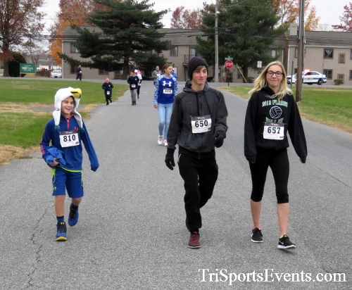 Turkey Trot 5K Run/Wak<br><br><br><br><a href='http://www.trisportsevents.com/pics/16_Turkey_Trot_5K_077.JPG' download='16_Turkey_Trot_5K_077.JPG'>Click here to download.</a><Br><a href='http://www.facebook.com/sharer.php?u=http:%2F%2Fwww.trisportsevents.com%2Fpics%2F16_Turkey_Trot_5K_077.JPG&t=Turkey Trot 5K Run/Wak' target='_blank'><img src='images/fb_share.png' width='100'></a>