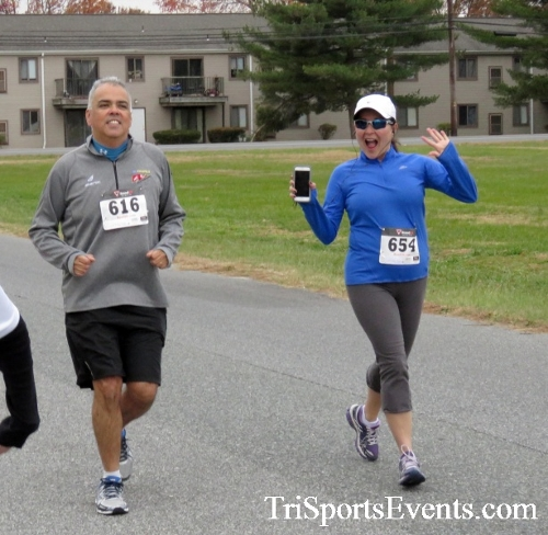 Turkey Trot 5K Run/Wak<br><br><br><br><a href='https://www.trisportsevents.com/pics/16_Turkey_Trot_5K_081.JPG' download='16_Turkey_Trot_5K_081.JPG'>Click here to download.</a><Br><a href='http://www.facebook.com/sharer.php?u=http:%2F%2Fwww.trisportsevents.com%2Fpics%2F16_Turkey_Trot_5K_081.JPG&t=Turkey Trot 5K Run/Wak' target='_blank'><img src='images/fb_share.png' width='100'></a>