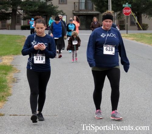 Turkey Trot 5K Run/Wak<br><br><br><br><a href='https://www.trisportsevents.com/pics/16_Turkey_Trot_5K_091.JPG' download='16_Turkey_Trot_5K_091.JPG'>Click here to download.</a><Br><a href='http://www.facebook.com/sharer.php?u=http:%2F%2Fwww.trisportsevents.com%2Fpics%2F16_Turkey_Trot_5K_091.JPG&t=Turkey Trot 5K Run/Wak' target='_blank'><img src='images/fb_share.png' width='100'></a>