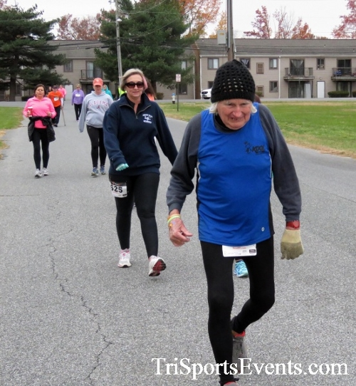 Turkey Trot 5K Run/Wak<br><br><br><br><a href='http://www.trisportsevents.com/pics/16_Turkey_Trot_5K_093.JPG' download='16_Turkey_Trot_5K_093.JPG'>Click here to download.</a><Br><a href='http://www.facebook.com/sharer.php?u=http:%2F%2Fwww.trisportsevents.com%2Fpics%2F16_Turkey_Trot_5K_093.JPG&t=Turkey Trot 5K Run/Wak' target='_blank'><img src='images/fb_share.png' width='100'></a>