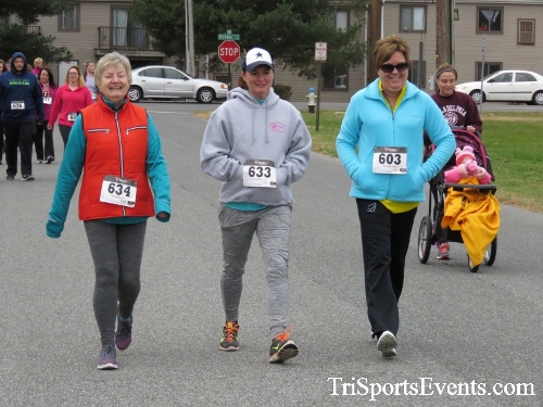 Turkey Trot 5K Run/Wak<br><br><br><br><a href='http://www.trisportsevents.com/pics/16_Turkey_Trot_5K_105.JPG' download='16_Turkey_Trot_5K_105.JPG'>Click here to download.</a><Br><a href='http://www.facebook.com/sharer.php?u=http:%2F%2Fwww.trisportsevents.com%2Fpics%2F16_Turkey_Trot_5K_105.JPG&t=Turkey Trot 5K Run/Wak' target='_blank'><img src='images/fb_share.png' width='100'></a>