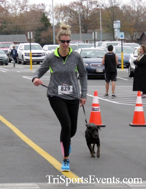 Turkey Trot 5K Run/Wak<br><br><br><br><a href='https://www.trisportsevents.com/pics/16_Turkey_Trot_5K_133.JPG' download='16_Turkey_Trot_5K_133.JPG'>Click here to download.</a><Br><a href='http://www.facebook.com/sharer.php?u=http:%2F%2Fwww.trisportsevents.com%2Fpics%2F16_Turkey_Trot_5K_133.JPG&t=Turkey Trot 5K Run/Wak' target='_blank'><img src='images/fb_share.png' width='100'></a>