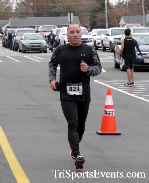 Turkey Trot 5K Run/Wak<br><br><br><br><a href='https://www.trisportsevents.com/pics/16_Turkey_Trot_5K_134.JPG' download='16_Turkey_Trot_5K_134.JPG'>Click here to download.</a><Br><a href='http://www.facebook.com/sharer.php?u=http:%2F%2Fwww.trisportsevents.com%2Fpics%2F16_Turkey_Trot_5K_134.JPG&t=Turkey Trot 5K Run/Wak' target='_blank'><img src='images/fb_share.png' width='100'></a>
