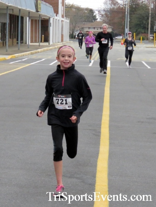 Turkey Trot 5K Run/Wak<br><br><br><br><a href='https://www.trisportsevents.com/pics/16_Turkey_Trot_5K_135.JPG' download='16_Turkey_Trot_5K_135.JPG'>Click here to download.</a><Br><a href='http://www.facebook.com/sharer.php?u=http:%2F%2Fwww.trisportsevents.com%2Fpics%2F16_Turkey_Trot_5K_135.JPG&t=Turkey Trot 5K Run/Wak' target='_blank'><img src='images/fb_share.png' width='100'></a>