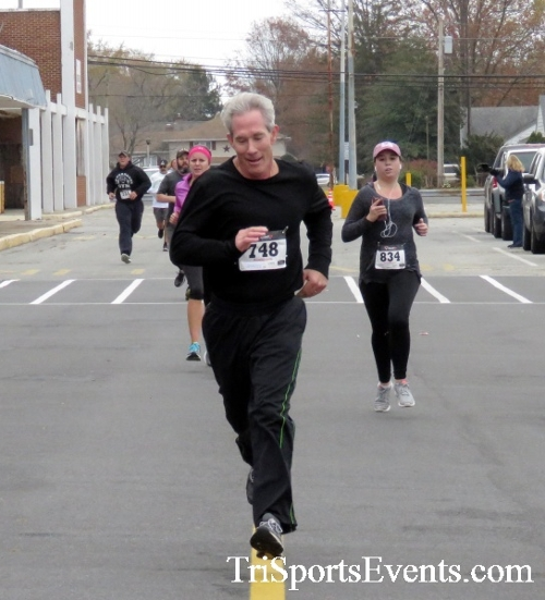 Turkey Trot 5K Run/Wak<br><br><br><br><a href='https://www.trisportsevents.com/pics/16_Turkey_Trot_5K_136.JPG' download='16_Turkey_Trot_5K_136.JPG'>Click here to download.</a><Br><a href='http://www.facebook.com/sharer.php?u=http:%2F%2Fwww.trisportsevents.com%2Fpics%2F16_Turkey_Trot_5K_136.JPG&t=Turkey Trot 5K Run/Wak' target='_blank'><img src='images/fb_share.png' width='100'></a>