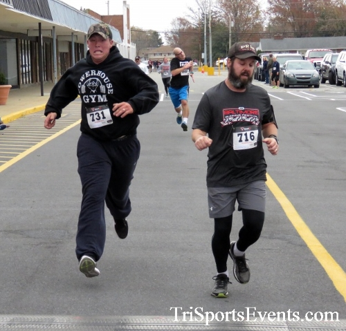 Turkey Trot 5K Run/Wak<br><br><br><br><a href='http://www.trisportsevents.com/pics/16_Turkey_Trot_5K_139.JPG' download='16_Turkey_Trot_5K_139.JPG'>Click here to download.</a><Br><a href='http://www.facebook.com/sharer.php?u=http:%2F%2Fwww.trisportsevents.com%2Fpics%2F16_Turkey_Trot_5K_139.JPG&t=Turkey Trot 5K Run/Wak' target='_blank'><img src='images/fb_share.png' width='100'></a>