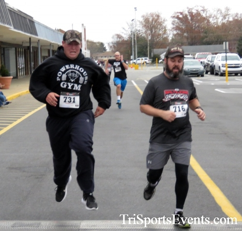Turkey Trot 5K Run/Wak<br><br><br><br><a href='http://www.trisportsevents.com/pics/16_Turkey_Trot_5K_140.JPG' download='16_Turkey_Trot_5K_140.JPG'>Click here to download.</a><Br><a href='http://www.facebook.com/sharer.php?u=http:%2F%2Fwww.trisportsevents.com%2Fpics%2F16_Turkey_Trot_5K_140.JPG&t=Turkey Trot 5K Run/Wak' target='_blank'><img src='images/fb_share.png' width='100'></a>
