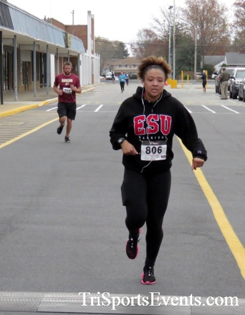 Turkey Trot 5K Run/Wak<br><br><br><br><a href='https://www.trisportsevents.com/pics/16_Turkey_Trot_5K_145.JPG' download='16_Turkey_Trot_5K_145.JPG'>Click here to download.</a><Br><a href='http://www.facebook.com/sharer.php?u=http:%2F%2Fwww.trisportsevents.com%2Fpics%2F16_Turkey_Trot_5K_145.JPG&t=Turkey Trot 5K Run/Wak' target='_blank'><img src='images/fb_share.png' width='100'></a>