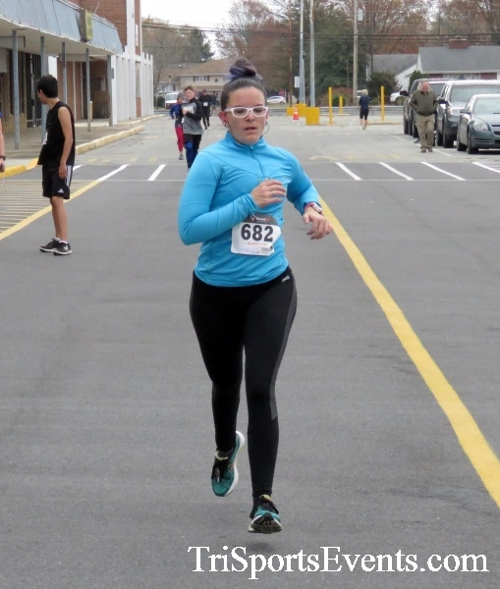 Turkey Trot 5K Run/Wak<br><br><br><br><a href='https://www.trisportsevents.com/pics/16_Turkey_Trot_5K_147.JPG' download='16_Turkey_Trot_5K_147.JPG'>Click here to download.</a><Br><a href='http://www.facebook.com/sharer.php?u=http:%2F%2Fwww.trisportsevents.com%2Fpics%2F16_Turkey_Trot_5K_147.JPG&t=Turkey Trot 5K Run/Wak' target='_blank'><img src='images/fb_share.png' width='100'></a>