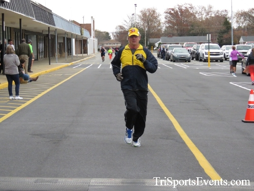 Turkey Trot 5K Run/Wak<br><br><br><br><a href='https://www.trisportsevents.com/pics/16_Turkey_Trot_5K_166.JPG' download='16_Turkey_Trot_5K_166.JPG'>Click here to download.</a><Br><a href='http://www.facebook.com/sharer.php?u=http:%2F%2Fwww.trisportsevents.com%2Fpics%2F16_Turkey_Trot_5K_166.JPG&t=Turkey Trot 5K Run/Wak' target='_blank'><img src='images/fb_share.png' width='100'></a>