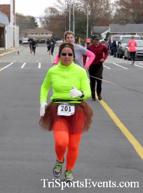 Turkey Trot 5K Run/Wak<br><br><br><br><a href='http://www.trisportsevents.com/pics/16_Turkey_Trot_5K_168.JPG' download='16_Turkey_Trot_5K_168.JPG'>Click here to download.</a><Br><a href='http://www.facebook.com/sharer.php?u=http:%2F%2Fwww.trisportsevents.com%2Fpics%2F16_Turkey_Trot_5K_168.JPG&t=Turkey Trot 5K Run/Wak' target='_blank'><img src='images/fb_share.png' width='100'></a>